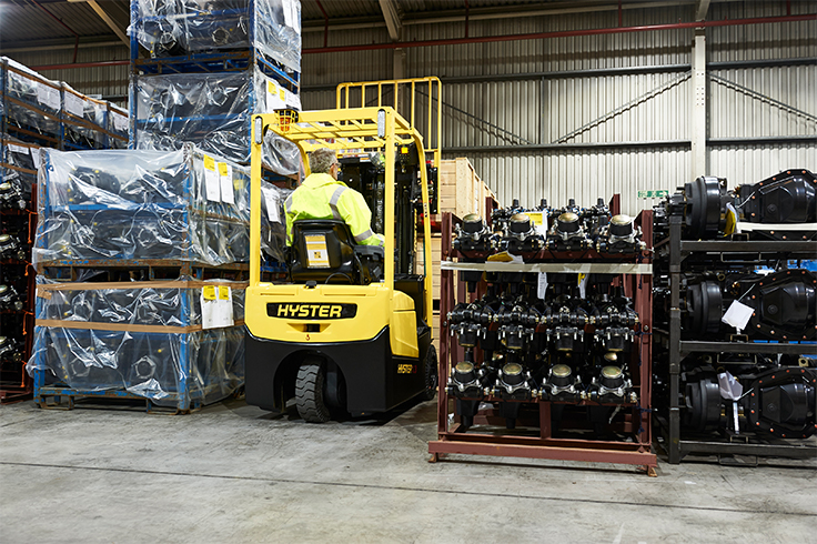 https://www.hyster.com/globalassets/coms/hyster/europe/images/hyster-trucks/3-wheel-electric/a1.3-1.5xnt_pdp-carousel-01.jpg