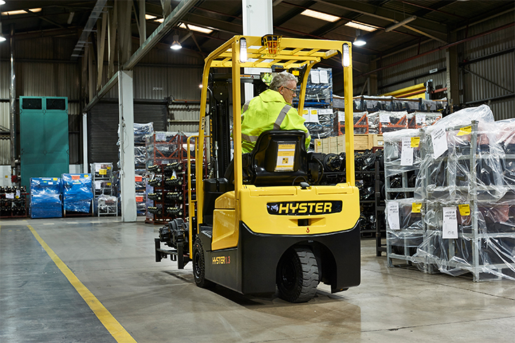 https://www.hyster.com/globalassets/coms/hyster/europe/images/hyster-trucks/3-wheel-electric/a1.3-1.5xnt_pdp-carousel-04.jpg