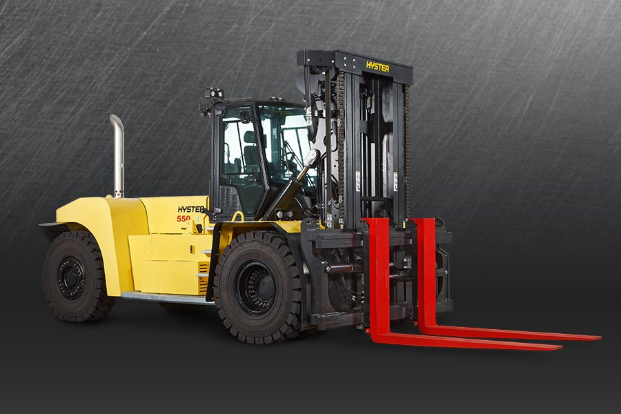 RUGGED, VERSATILE AND PRODUCTIVE FORKLIFT TRUCKS